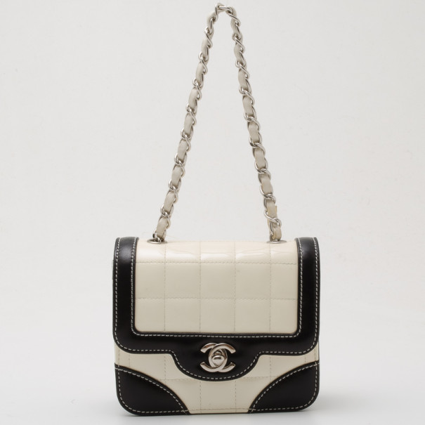 b1fcc57bf1a5 Chanel Black And White Quilted Bag - The Best White Picture