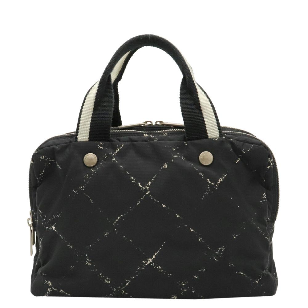 Pre-owned Chanel Black Nylon Travel Line Bag
