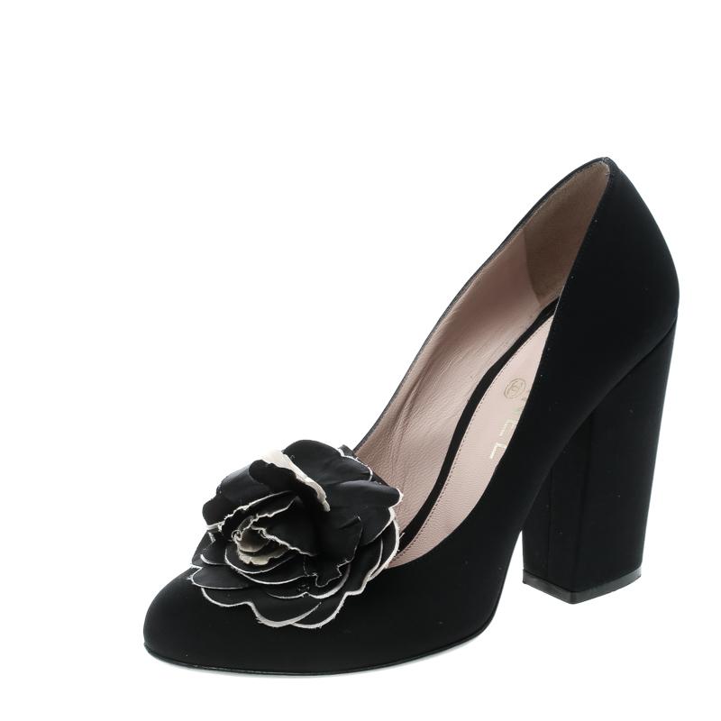 5b172af80b6 ... Chanel Black Satin Camellia Embellished Block Heel Pumps Size 39.5.  nextprev. prevnext