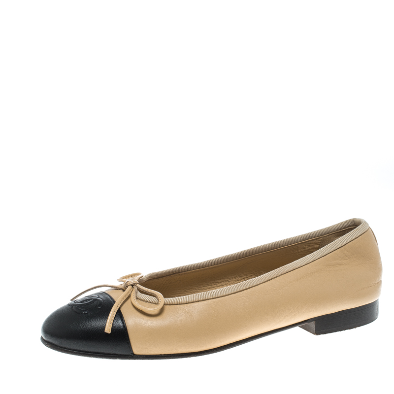 a23a7ede7c345 ... Chanel Two Tone Leather CC Cap Toe Bow Ballet Flats Size 35.5.  nextprev. prevnext