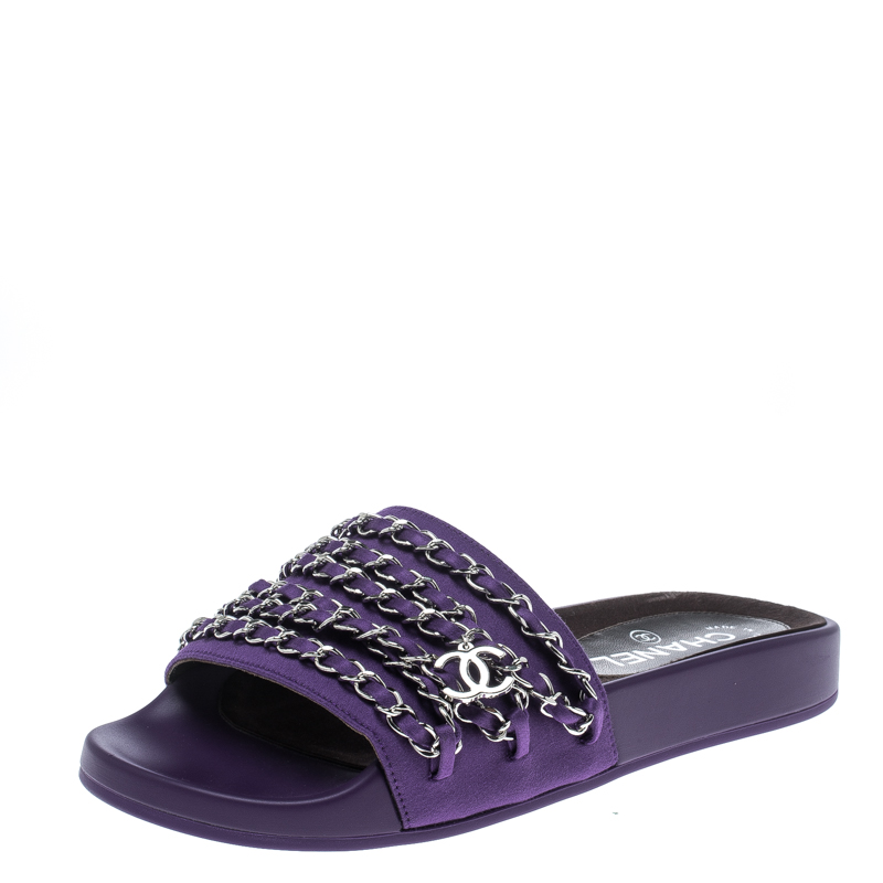 73f881aeff0b ... Chanel Purple Fabric Tropiconic Chain Detail Slides Size 37. nextprev.  prevnext