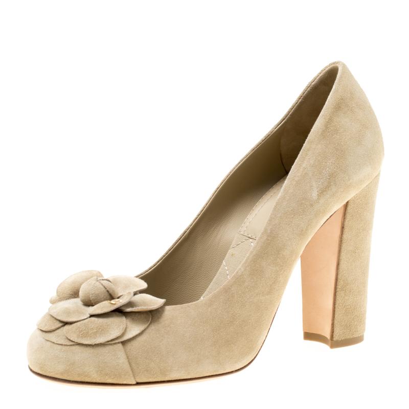 d360e50b392d ... Chanel Light Khaki Green Leather Camellia Block Heel Pumps Size 38.  nextprev. prevnext