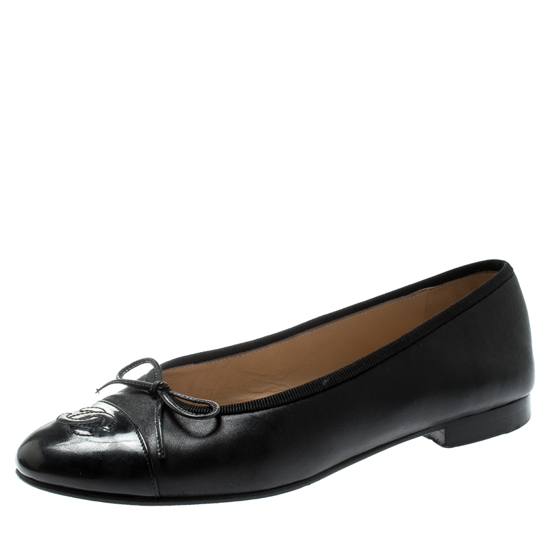2868b2da2fc Chanel Black Leather And Patent Leather CC Cap Toe Ballet Flats Size 37