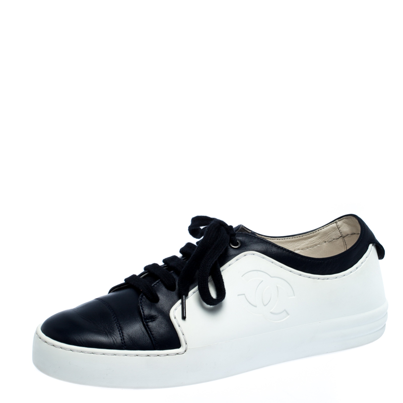 Chanel Blue And White Leather And Rubber CC Cap Toe Lace Up Sneaker Size 38