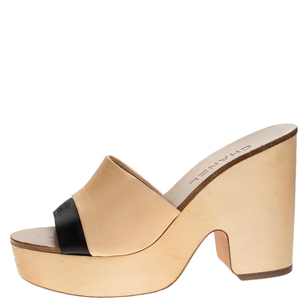 Chanel Beige/Black Leather Open Toe Slide Wooden Clogs Size 37.5