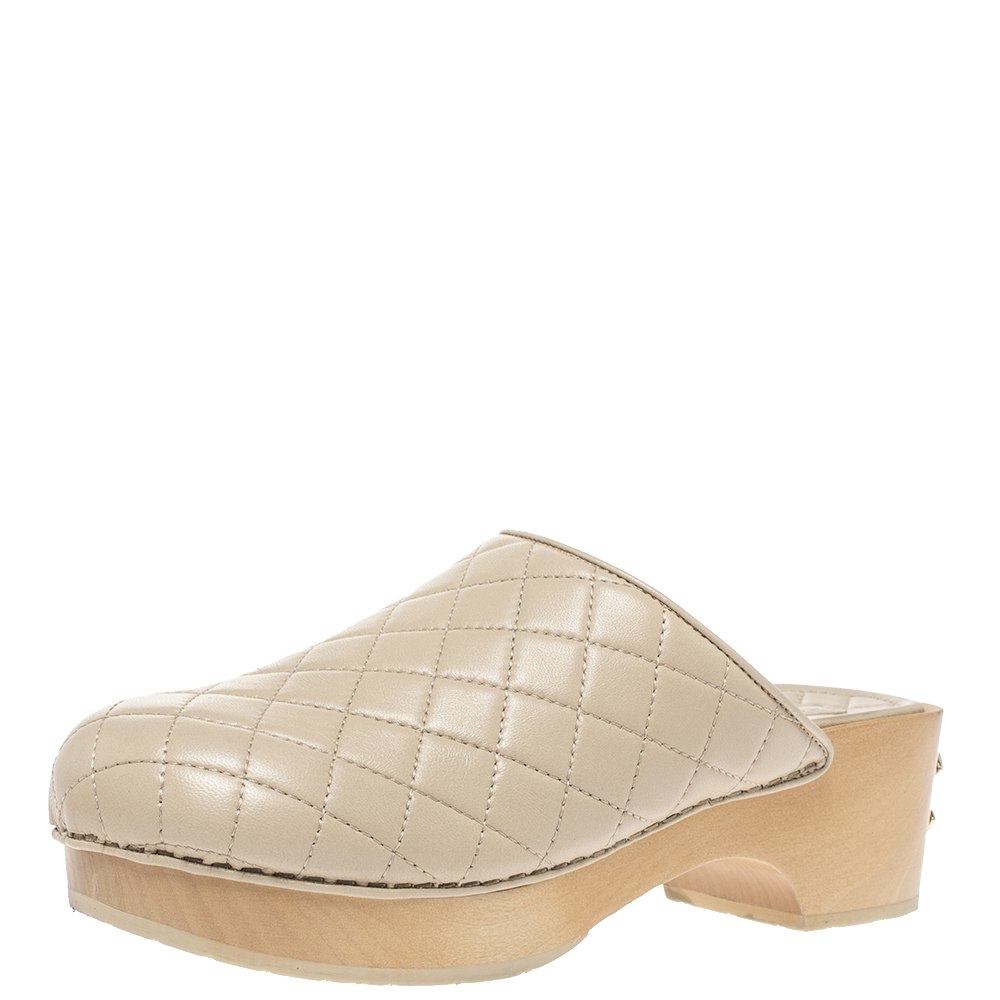 Pre-owned Chanel Beige Quilted Leather Cc Wooden Platform Clogs Size 38