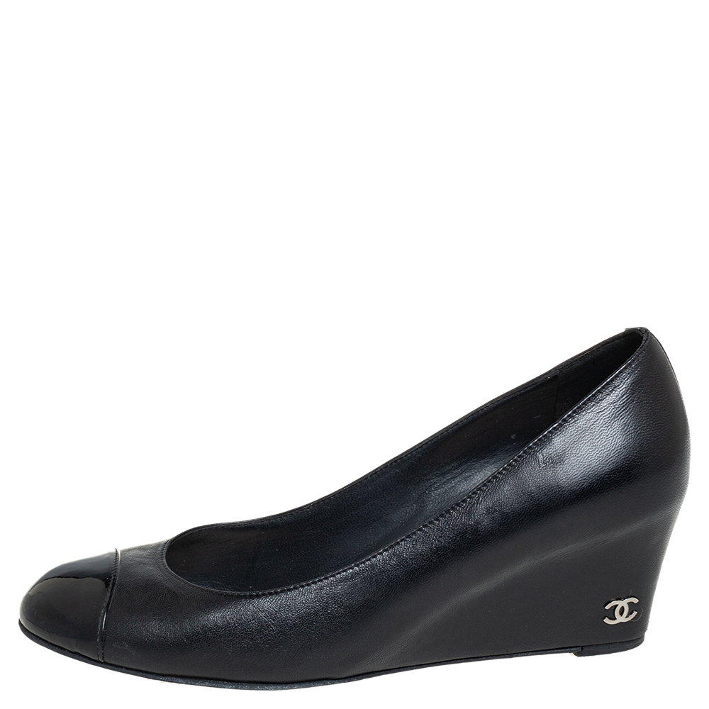Chanel Black Leather And Patent Leather Cap Toe Wedge Pumps Size 38.5  - buy with discount