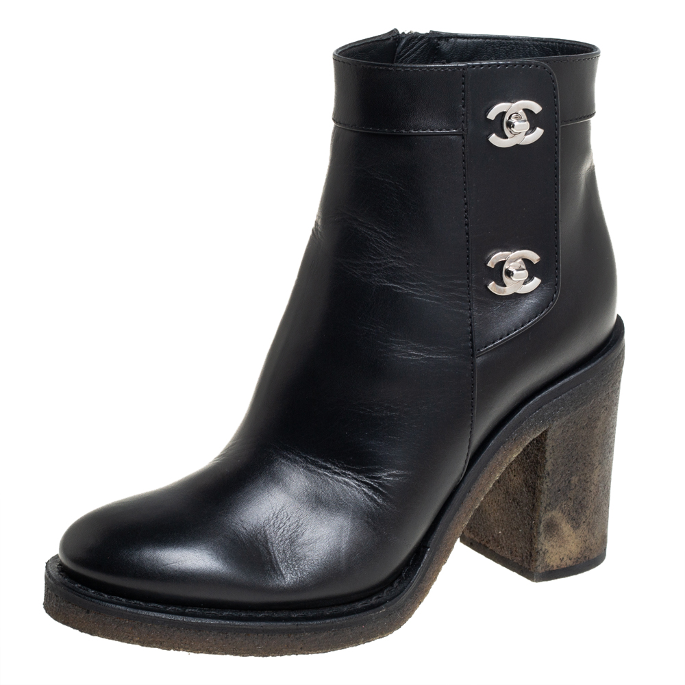 Pre-owned Chanel Black Leather Cc Turnlock Ankle Boots Size 37.5
