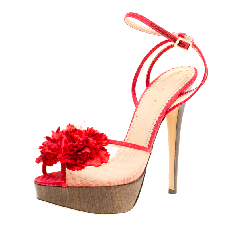 Купить со скидкой Charlotte Olympia Red Satin and Mesh Pomeline Flower Embellished Peep Toe Platform Sandals Size 40.5