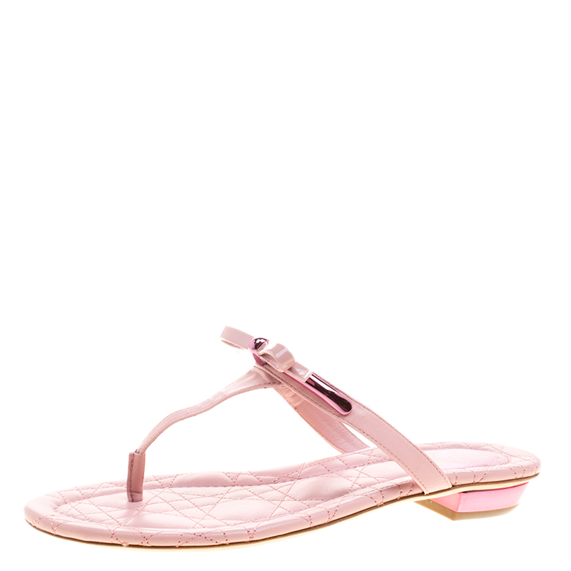 6a3d957607b167 Buy Dior Blush Pink Cannage Quilted Leather Thong Flat Sandals Size ...