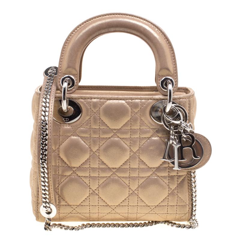 5fc59c2343af8 إشتري حقيبة ديور ميني ليدي ديور جلد ذهبي ميتاليك لامع بسلسلة 113841 ...