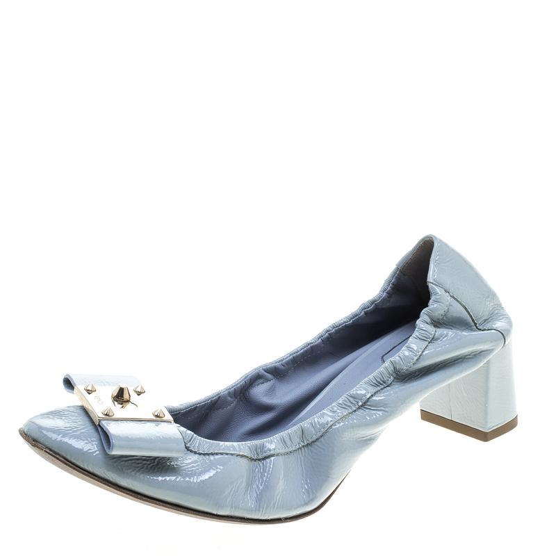 Fendi Powder Blue Patent Leather Bow Detail  Block Heel Scrunch Pumps Size 37.5