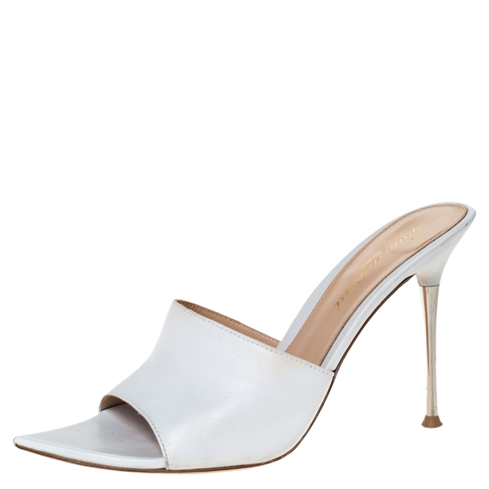 Pre-Owned Gianvito Rossi White Leather