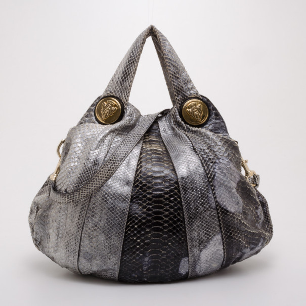 95c2dc0631a2 Buy Gucci Python Hysteria Tote 37674 at best price | TLC