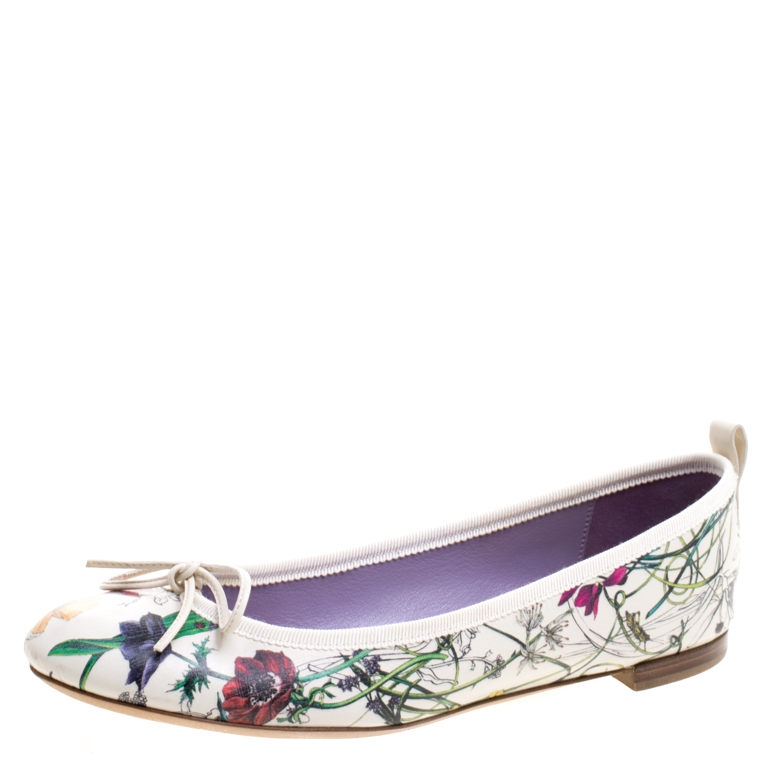 24f8a8011b3 Buy Gucci White Floral Printed Leather Ali Flora Ballet Flats Size ...