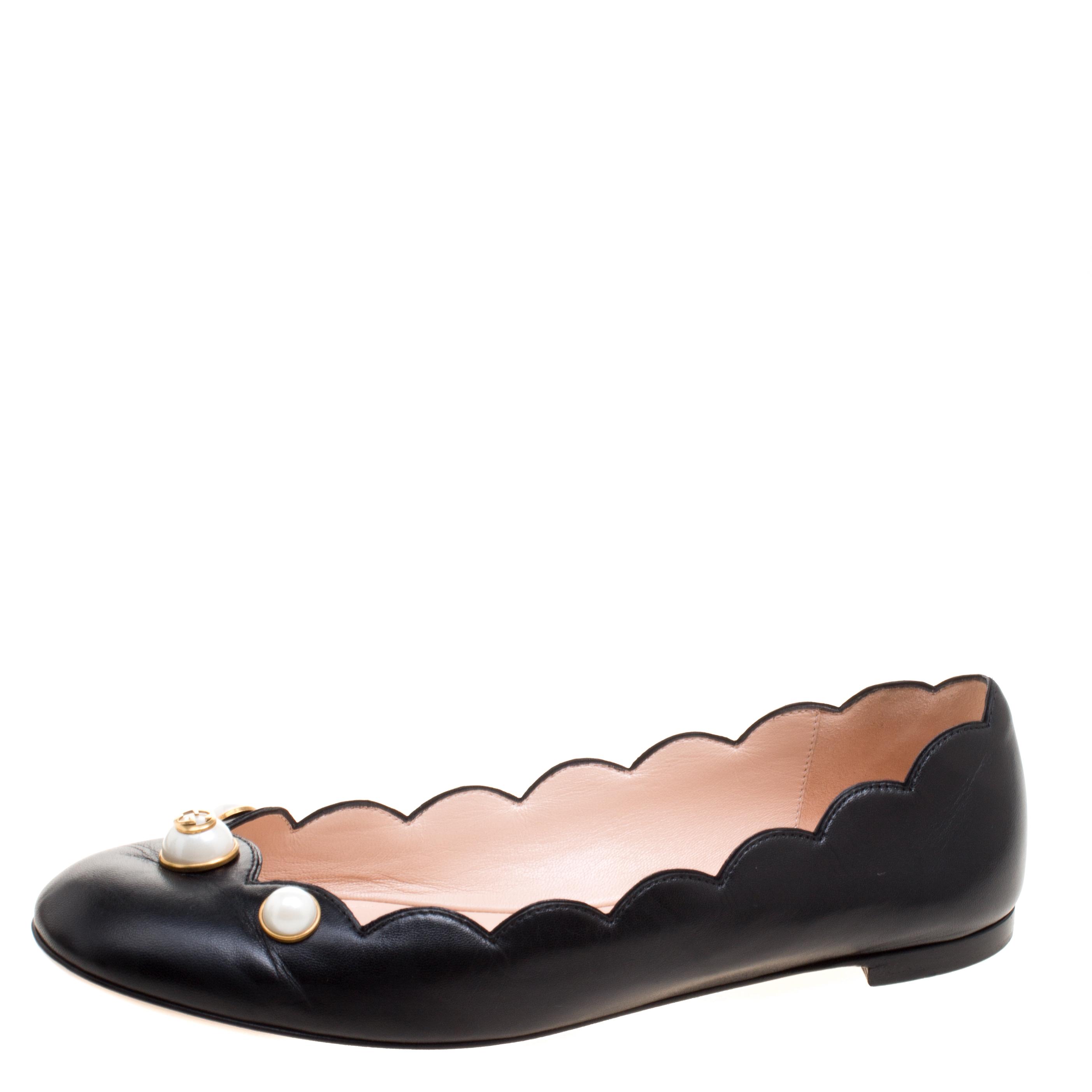 e121b9f06b3e ... Gucci Black Leather Willow Scalloped Ballet Flats Size 39. nextprev.  prevnext