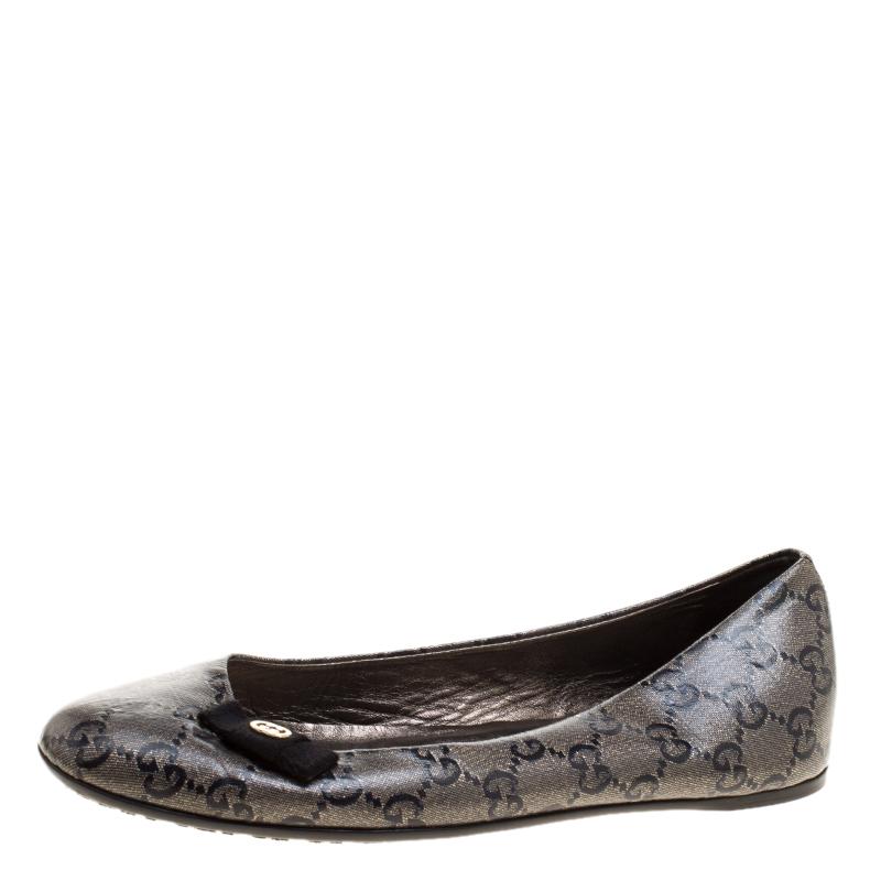 4d1105202f33 Buy Gucci Grey Black GG Crystal Canvas Ballerina Flats Size 36 ...