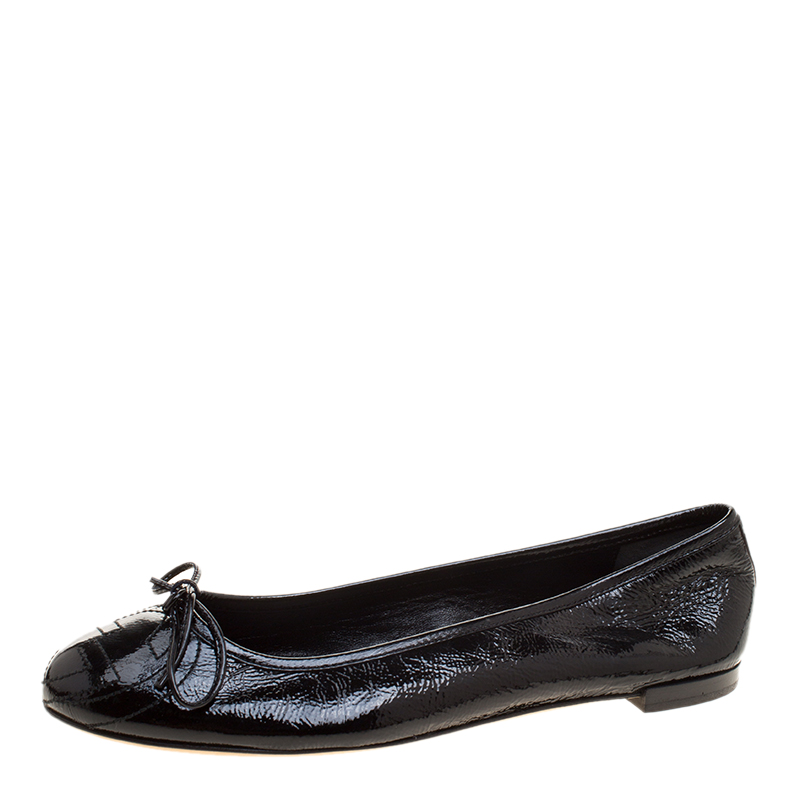 a106b1988 Buy Gucci Black Patent Leather GG Interlocking Bow Ballet Flats Size ...