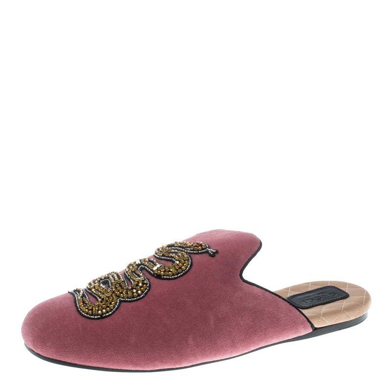 40f8b312f9c7 ... Gucci Pink Velvet Crystal Embellished Lawrence Slippers Size 41.  nextprev. prevnext