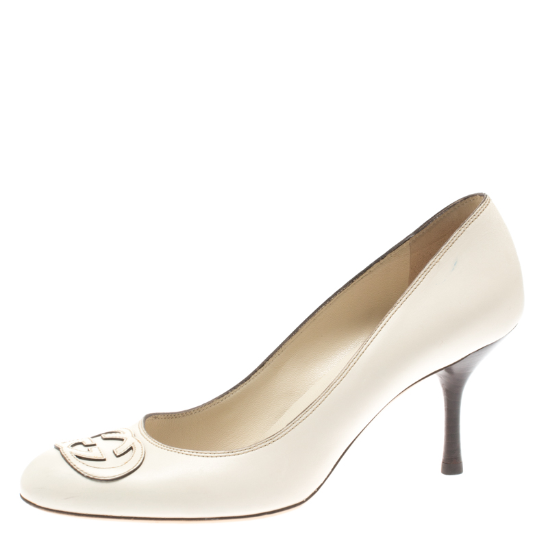 9e00e39437e ... Gucci White Leather Interlocking G Pumps Size 38.5. nextprev. prevnext