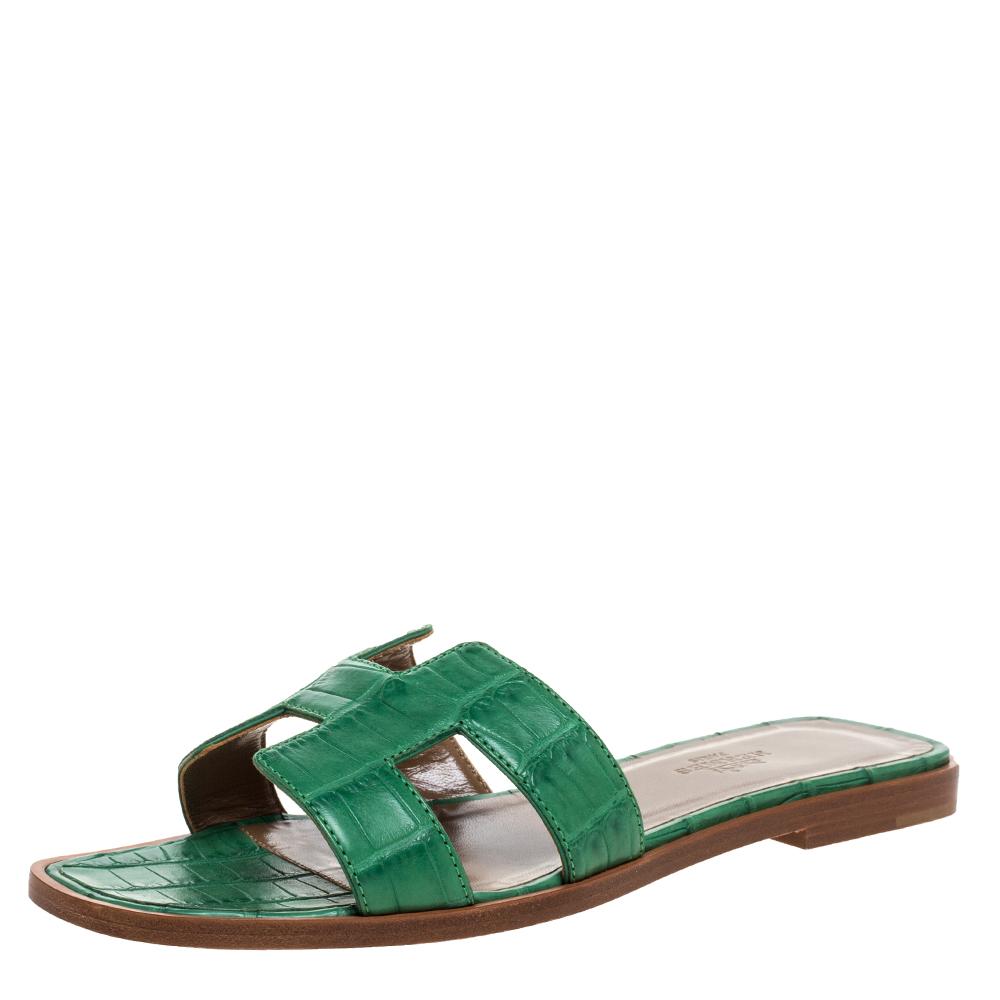 Hermes Green Matt Crocodile Oran Flat Sandals Size 36