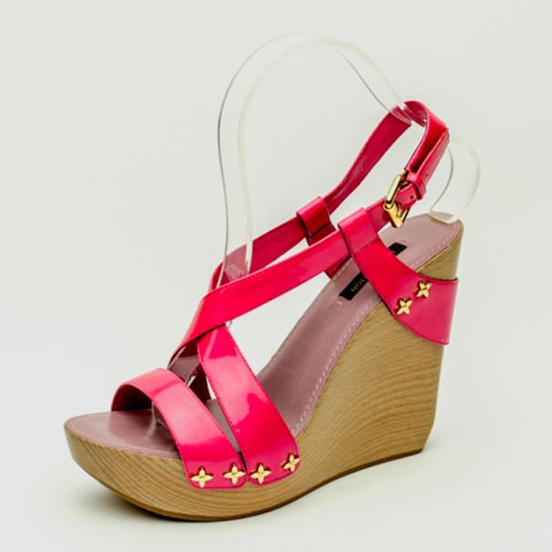 d1df1afcef61c ... Louis Vuitton Pink Patent Pomegranate Wedge Sandals Size 38. nextprev.  prevnext