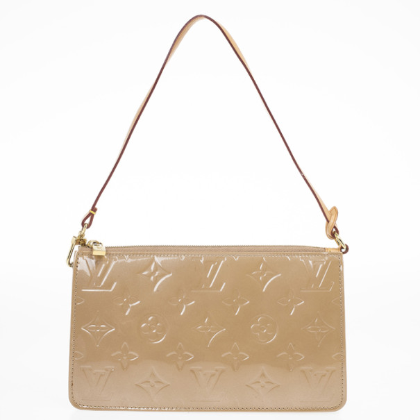 fb9fa9e49560 ... Louis Vuitton Beige Monogram Vernis Lexington Pochette Bag. nextprev.  prevnext