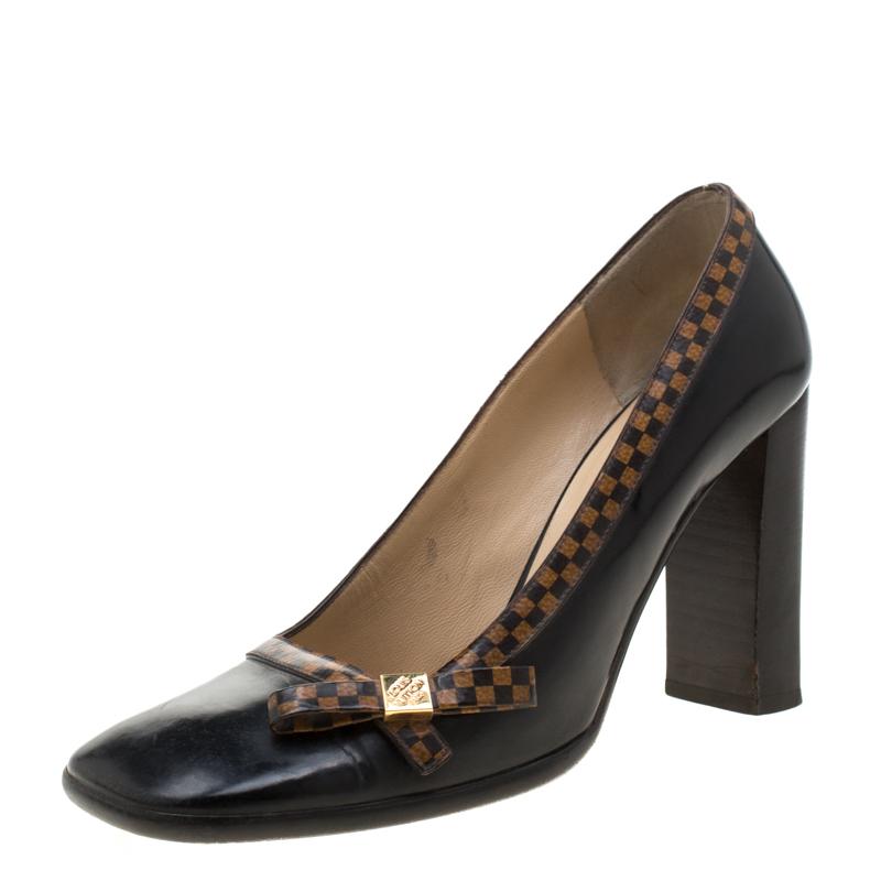 Louis Vuittion Black Leather Bow Block