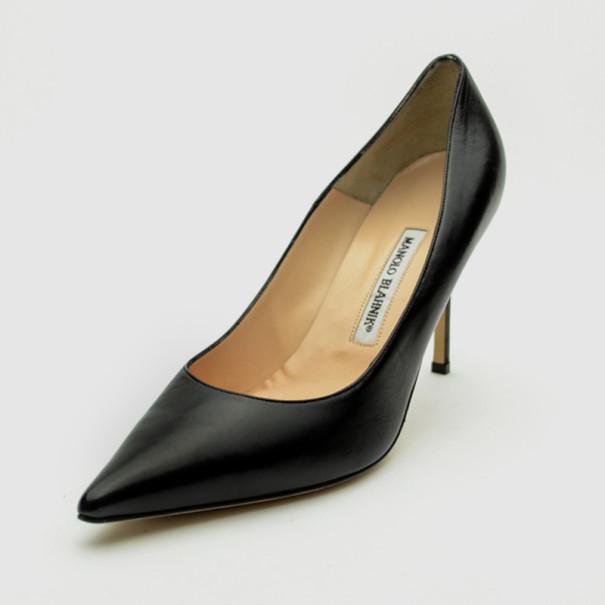 Manolo Blahnik Black Leather Pointed Toe Pumps Size 40