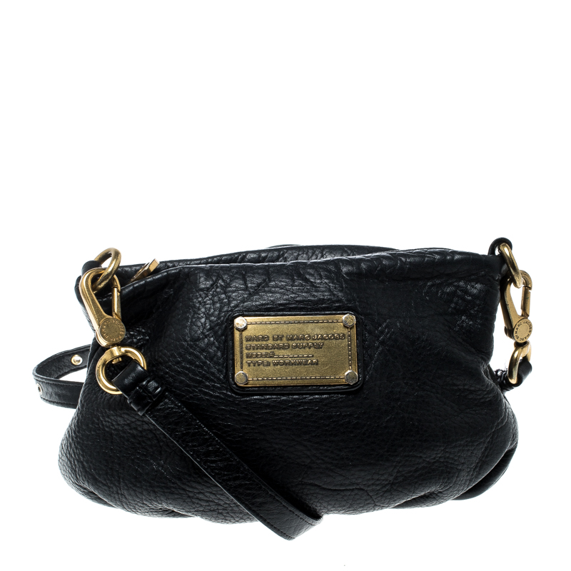 387b4a3c85e0 ... Marc Jacobs Black Leather Classic Q Percy Crossbody Bag. nextprev.  prevnext