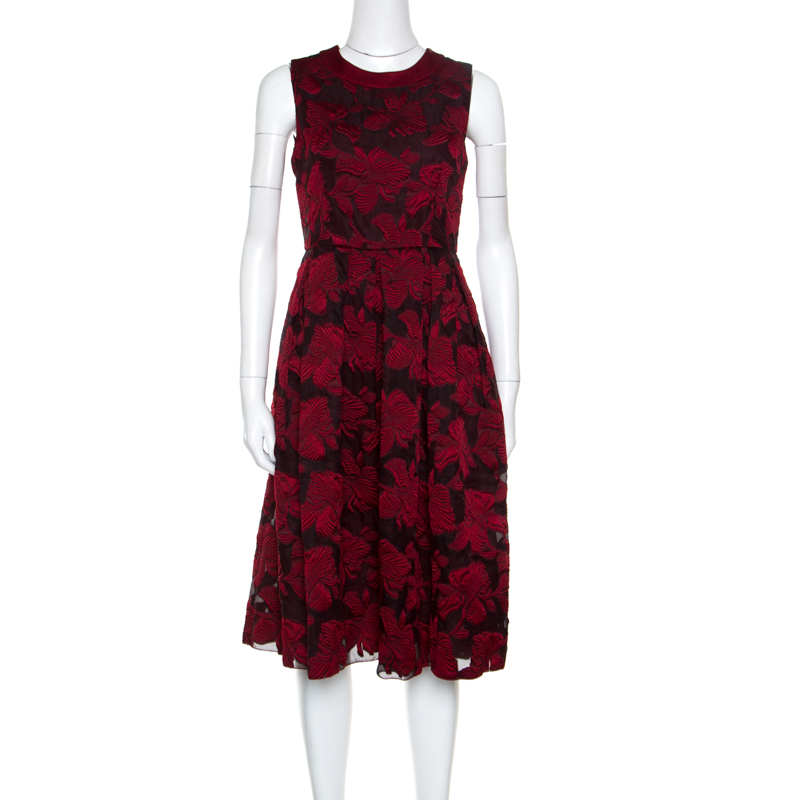 6ba78bde139 ... Max Mara Red Floral Embossed Jacquard Pleated Apuania Dress S.  nextprev. prevnext