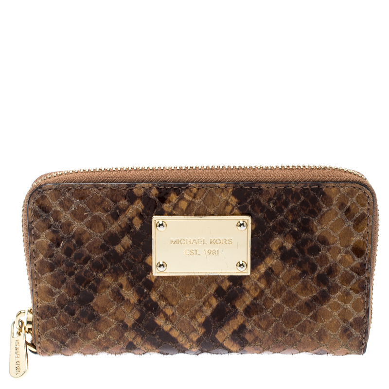 b30b98cbd2da ... Michael Kors Brown Python Embossed Leather Jetset Wallet. nextprev.  prevnext