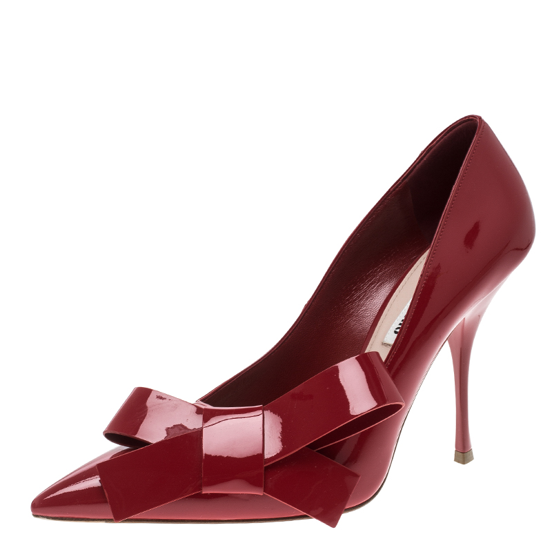 Miu Miu Red Patent Leather Bow Embellished Pointed Toe Pumps Size 39