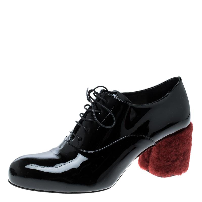 5d0214754b3 Miu Miu Black Patent Leather Red Shearling Fur Heel Oxfords Size 37