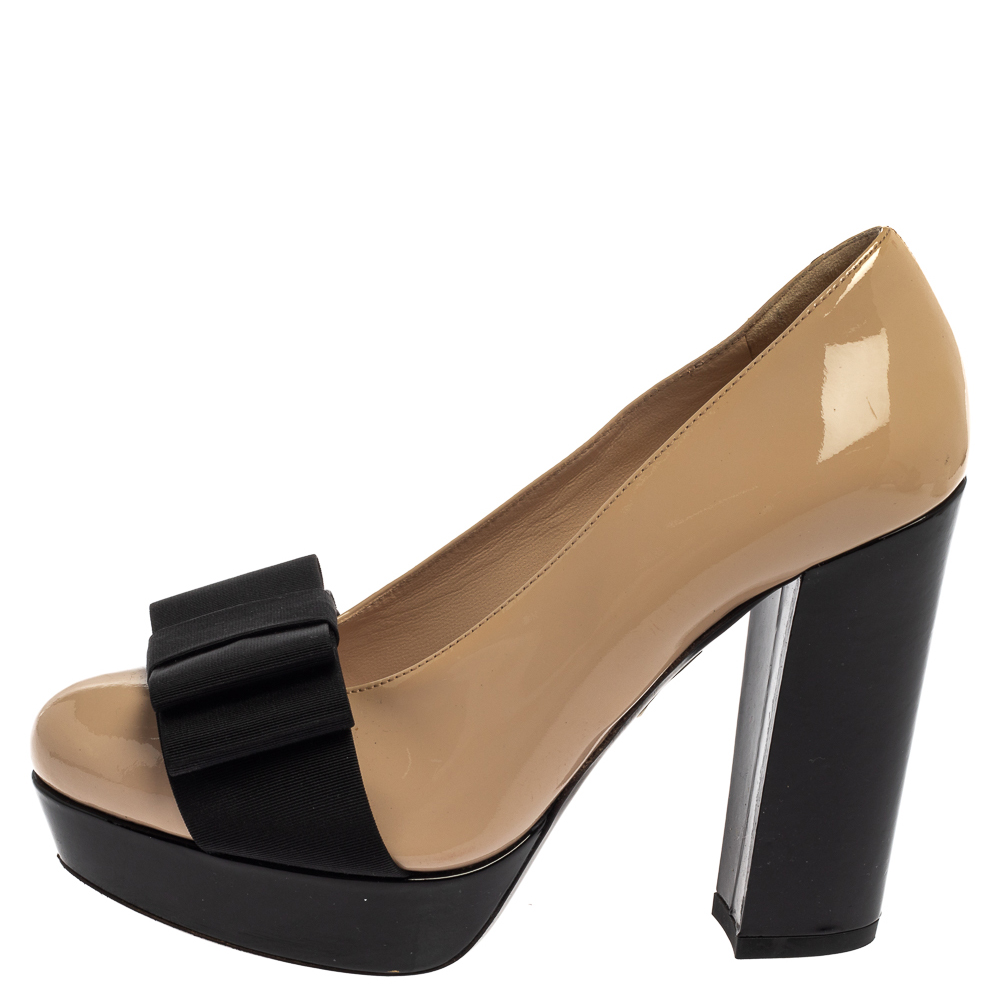 Miu Miu Beige/Black Patent Leather Bow Pumps Size 35  - buy with discount