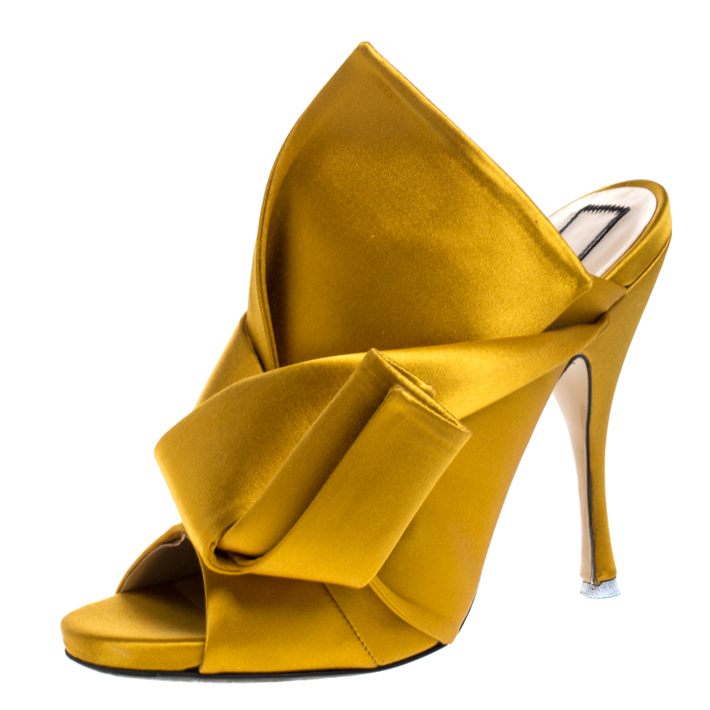 حذاء مولز N21 راسو عقدة مقدمة مفتوحة ساتان أصفر مقاس 39