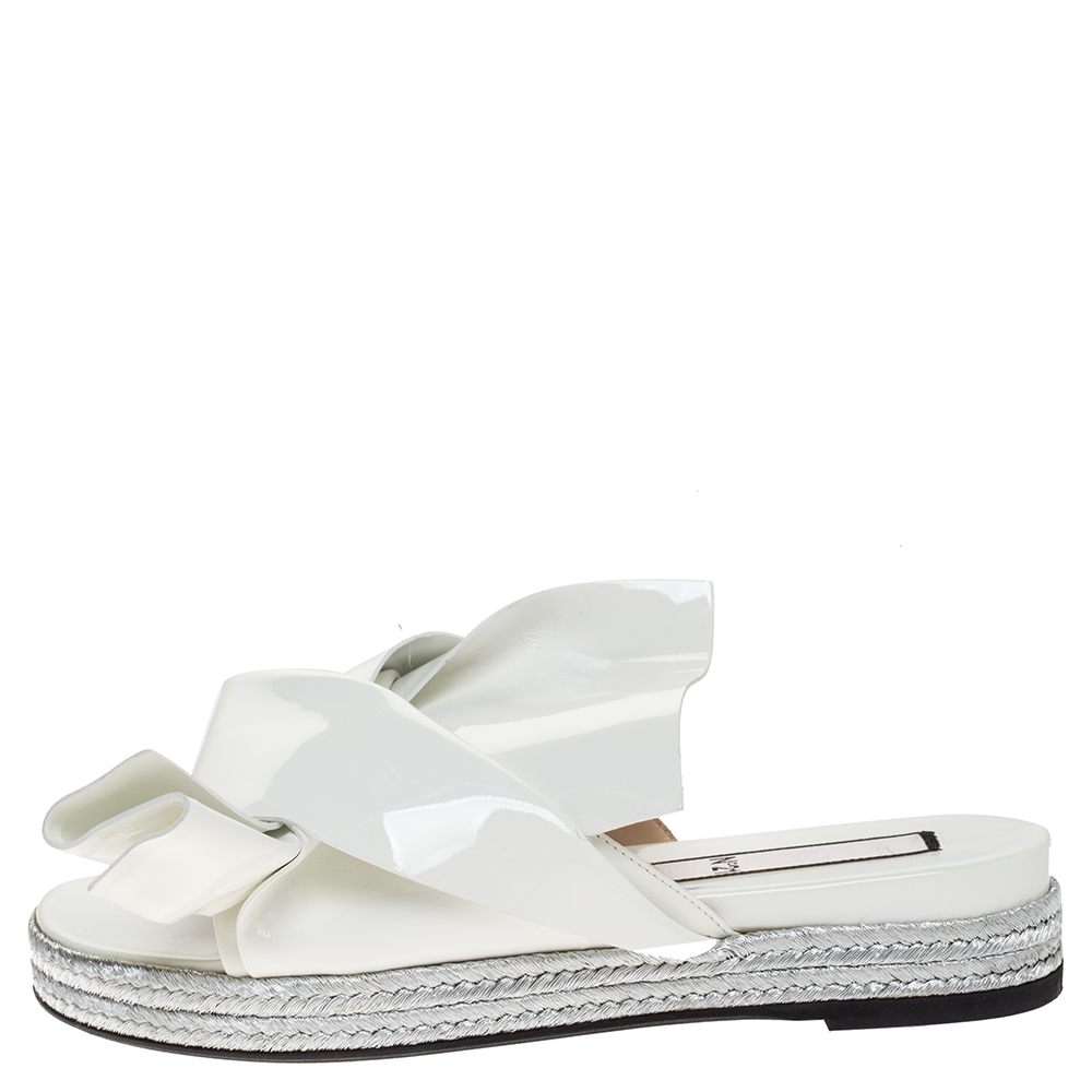 N21 / N°21 White Patent Leather Knotted Flat Slides Size 38