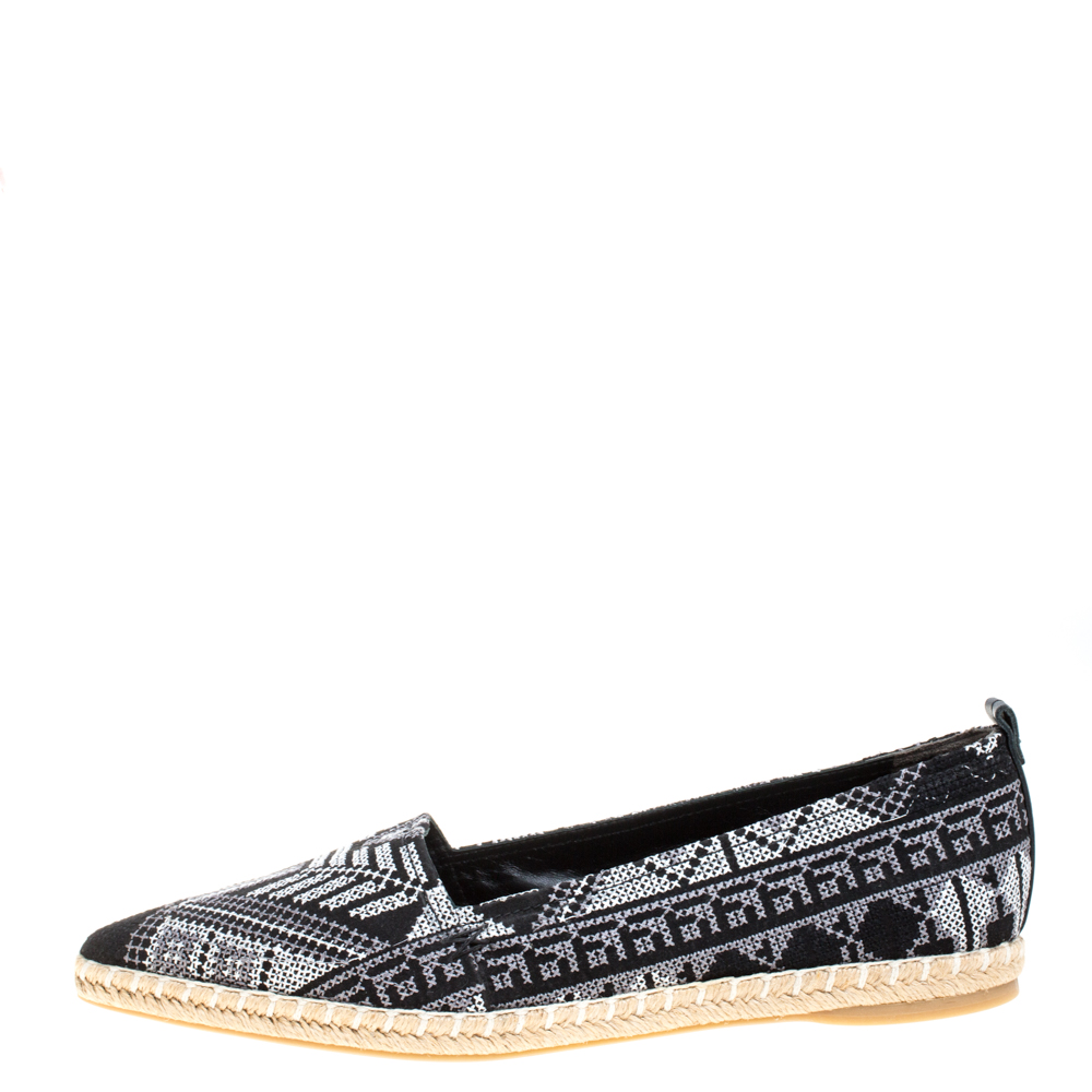 Nicholas Kirkwood Monochrome Embroidered Twill Fabric Mexican Pointed Toe Espadrilles Size 40