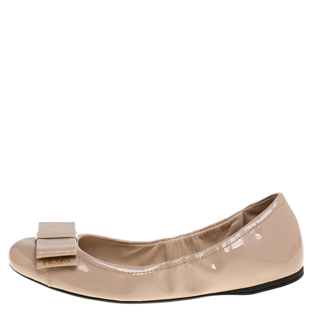 Prada Beige Patent Leather Bow Scrunch Ballet Flats Size