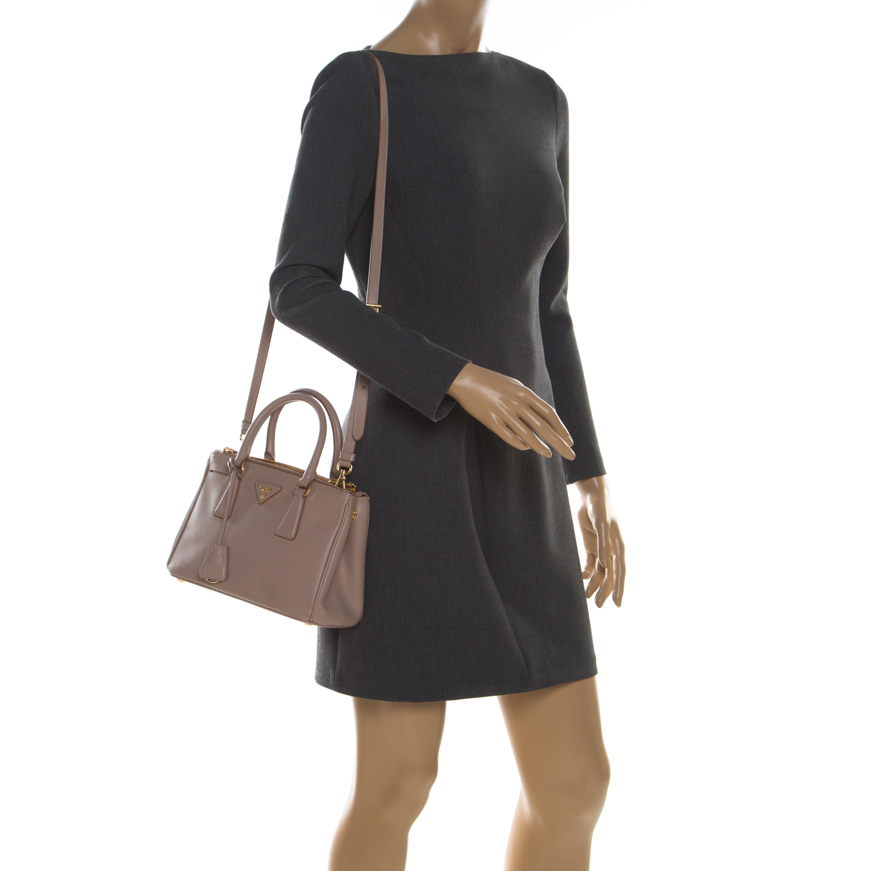Prada Blush Rose Saffiano Lux Cuir Mini Double Zip Top Sac De Poignée