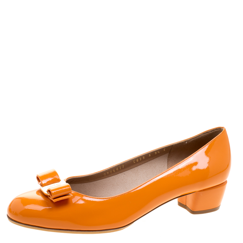 ... Salvatore Ferragamo Marigold Orange Patent Leather Vara Bow Block Heel  Pumps Size 40. nextprev. prevnext 03861433f8464
