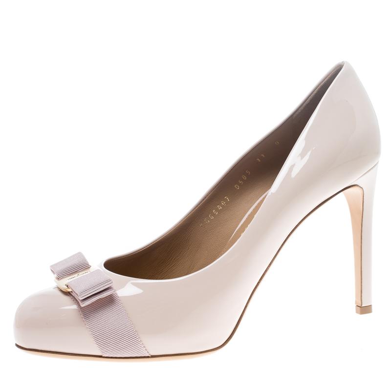 ee11e6e824e Salvatore Ferragamo Blush Pink Patent Leather Carla Vara Bow Pumps Size 41.5