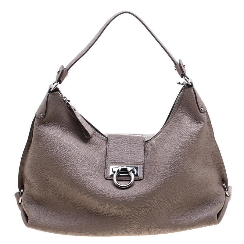 f11f82db4e Buy Salvatore Ferragamo Dusty Pink Leather Fanisa Hobo 143774 at best price