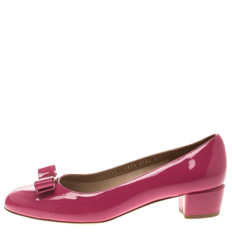 S.T. Dupont / Salvatore Ferragamo Pink Patent Leather Vara Bow Block Heel Pumps Size 41