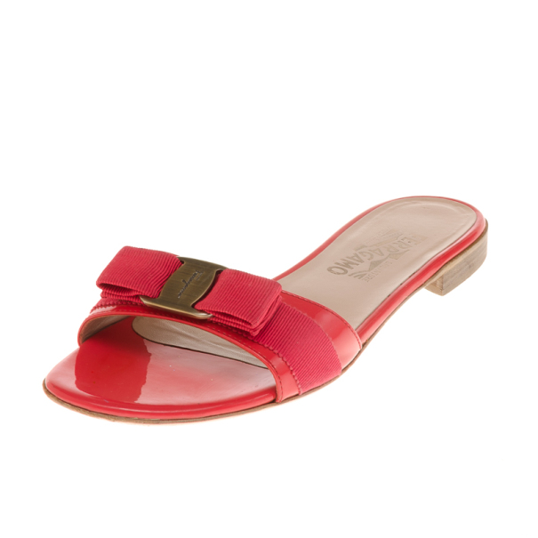 7a7d0f9dc4d Buy Salvatore Ferragamo Coral Patent Vara Bow Flat Slides Size 38 18328 at  best price