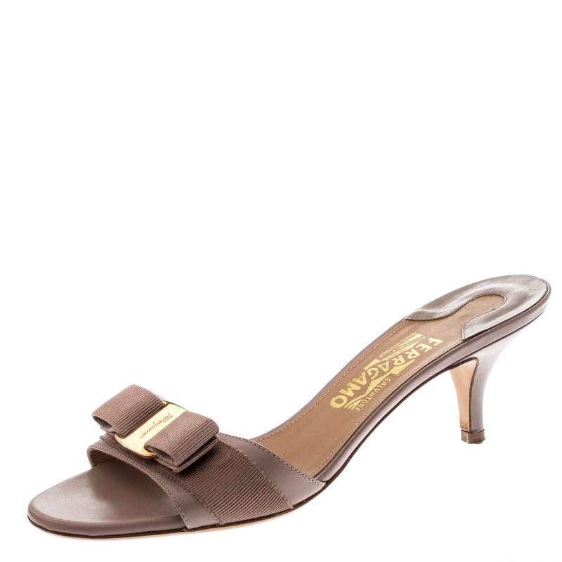 Buy Salvatore Ferragamo Beige Leather Glory Bow Slides