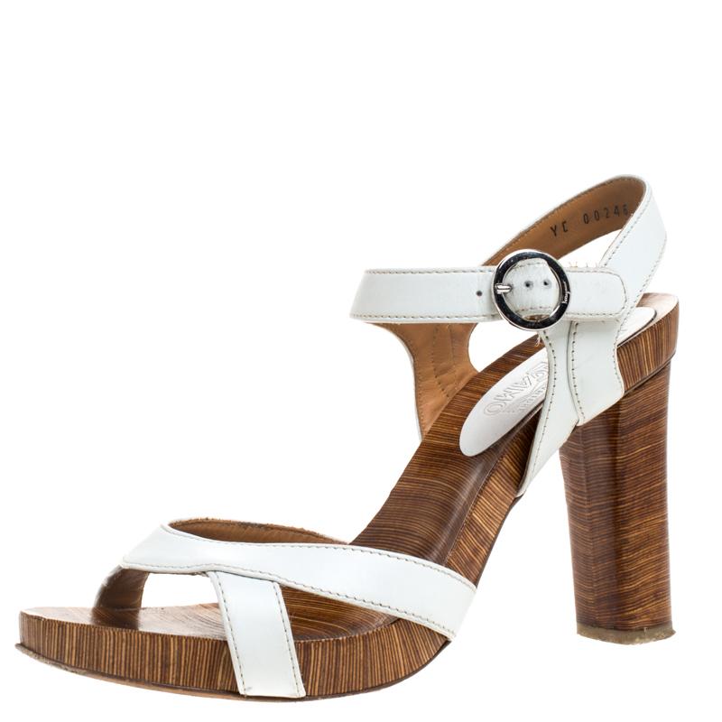 Salvatore Ferragamo White/brown Textured Leather Open Toe Ankle Strap Sandals Size 39.5