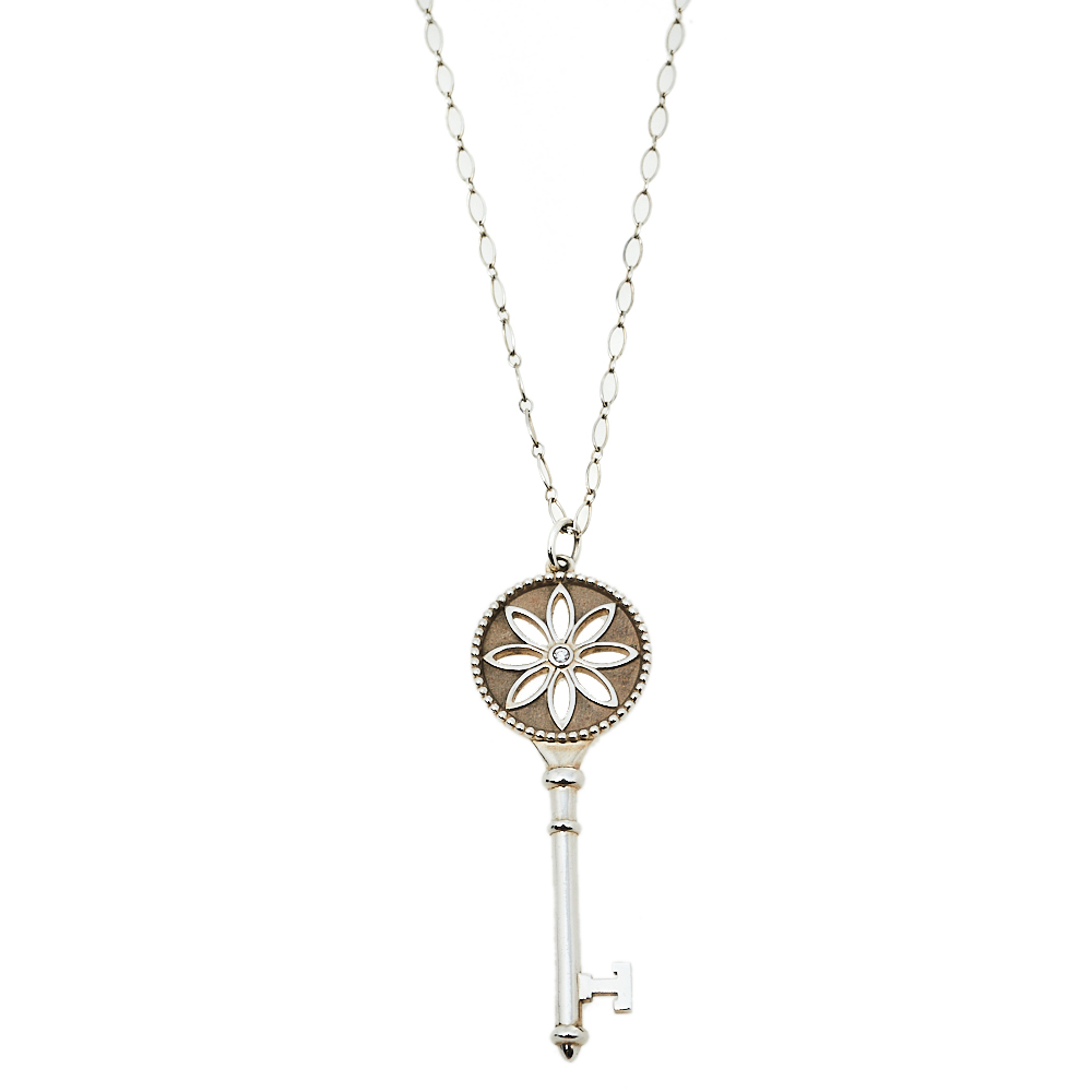 Pre-owned Tiffany & Co Daisy Key Sterling Silver Diamond Pendant Necklace