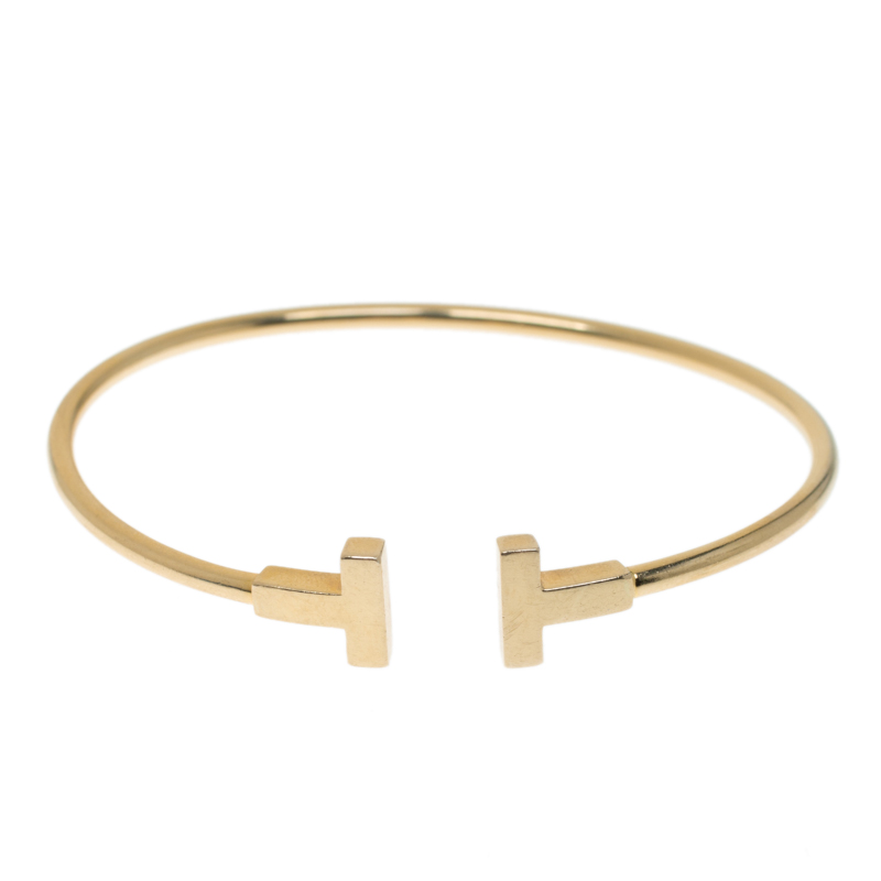 Купить со скидкой Tiffany & Co. T Yellow Gold Narrow Wire Bracelet