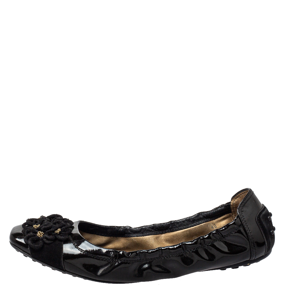 Tod's Black Patent Leather And Suede Flower Scrunch Ballet Flats Size